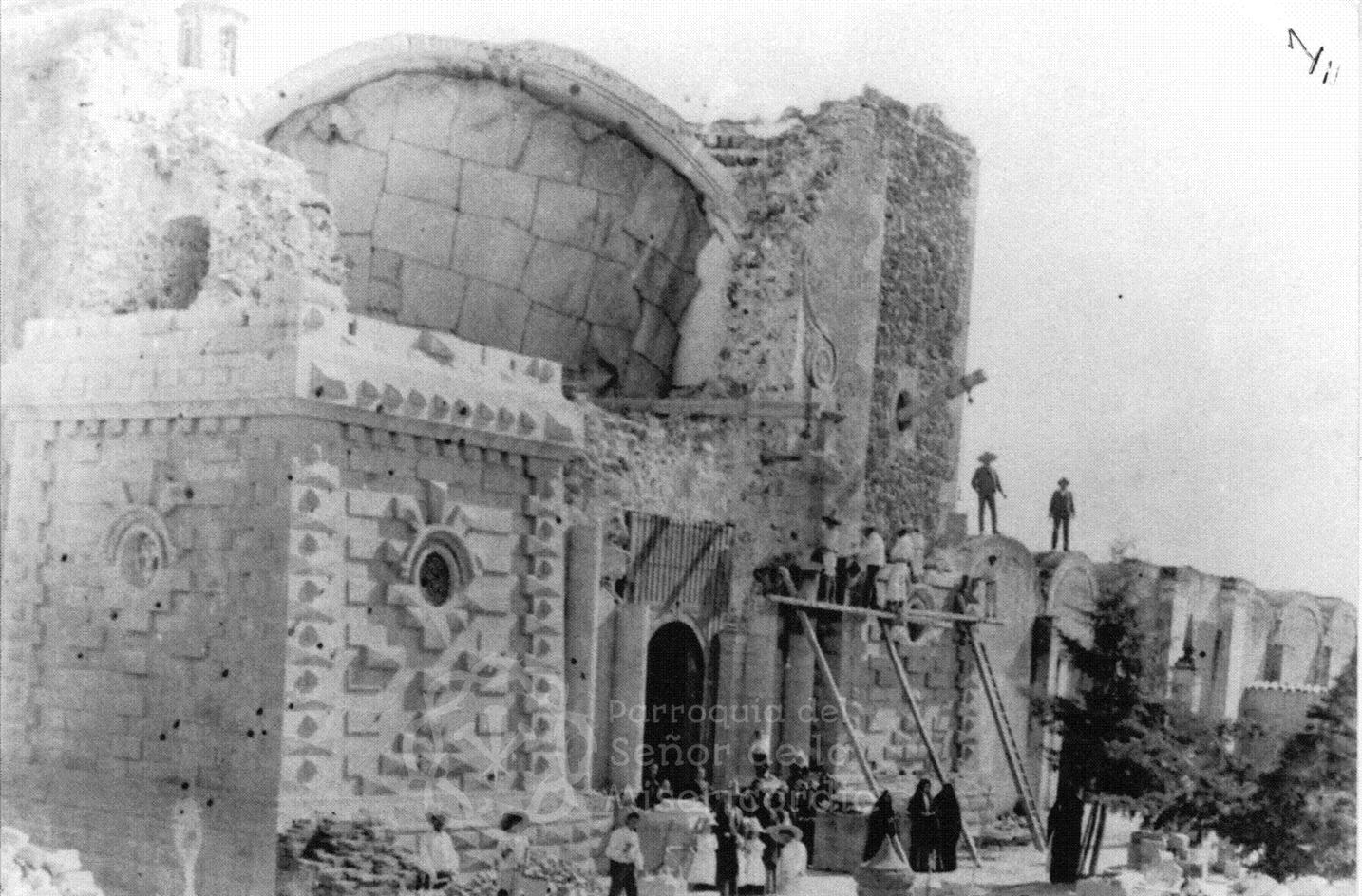 Destrucción de la parroquia de Ocotlán tras el sismo