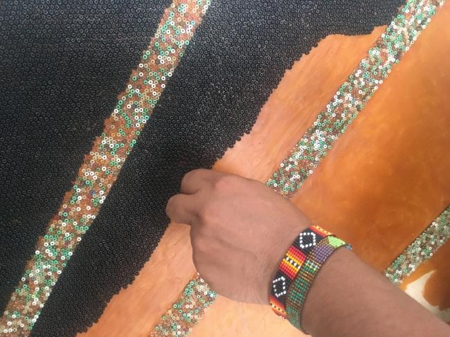 Mosaico wixárika en Plaza Liberación