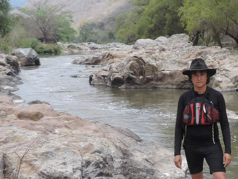 Juan Guillermo Adrián Brito Ríos, investigador de nutrias en Sierra de Manantlán