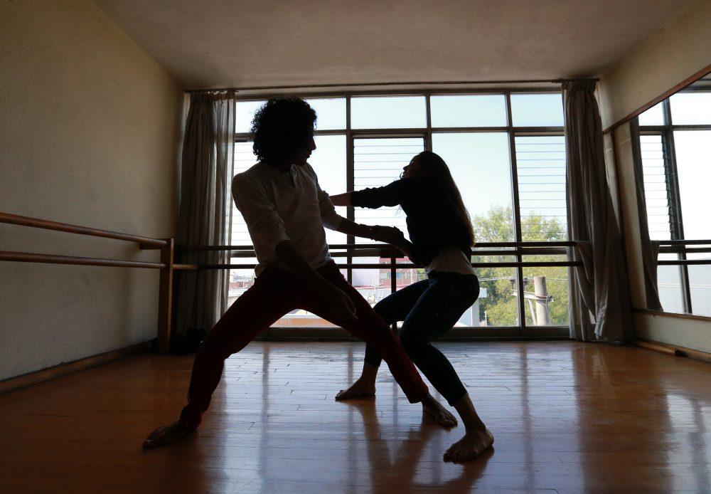 Bailarines de danza contemporánea van a Italia