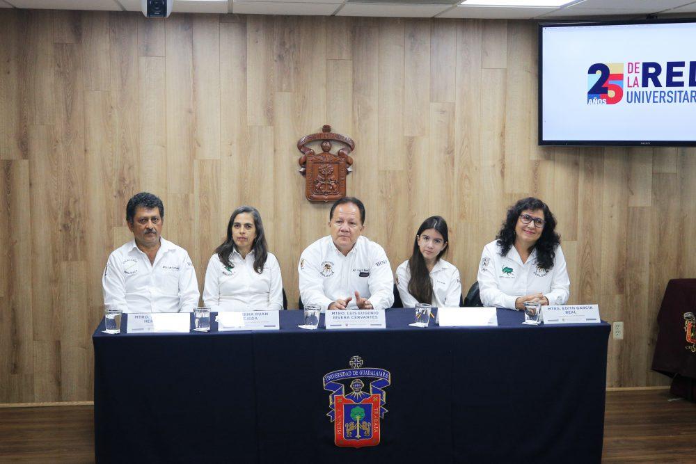 Equipo de investigadores que conforman la Exposición Biológica Itinerante del CUCSur