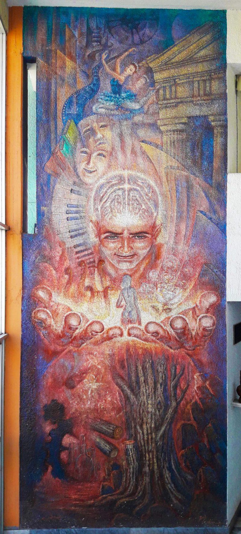"""Mural """"El hombre y las Bellas Artes"""" de Guadalupe Ríos, en Casa de la Cultura de Tepatitlán"""