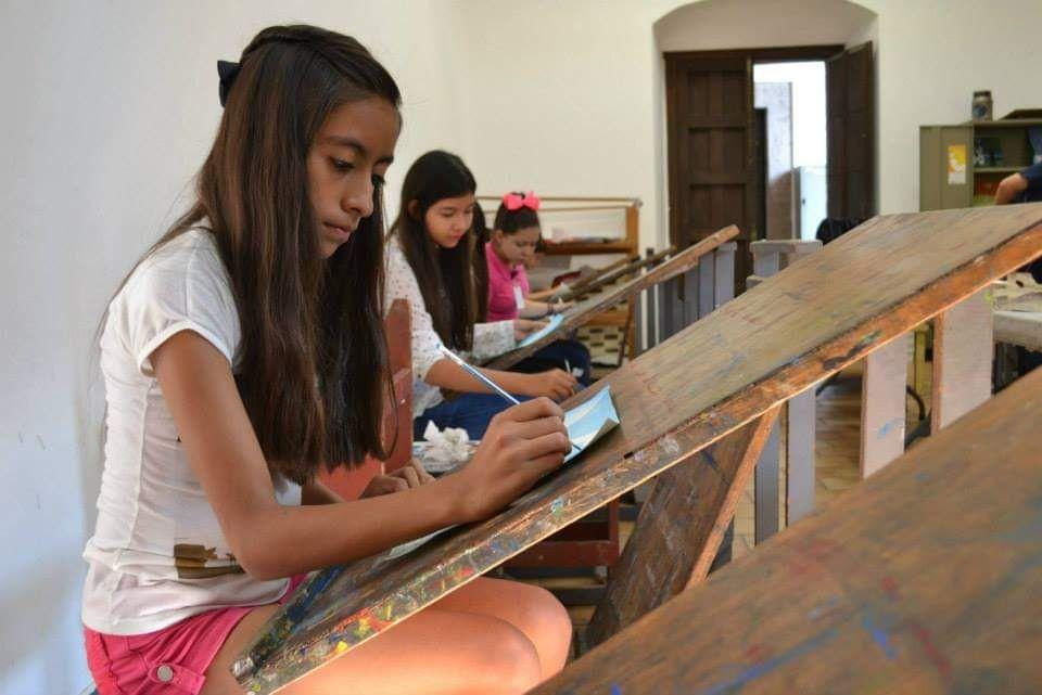 Alumnos de la Escuela de Artes de la Secretaría de Cultura de Jalisco