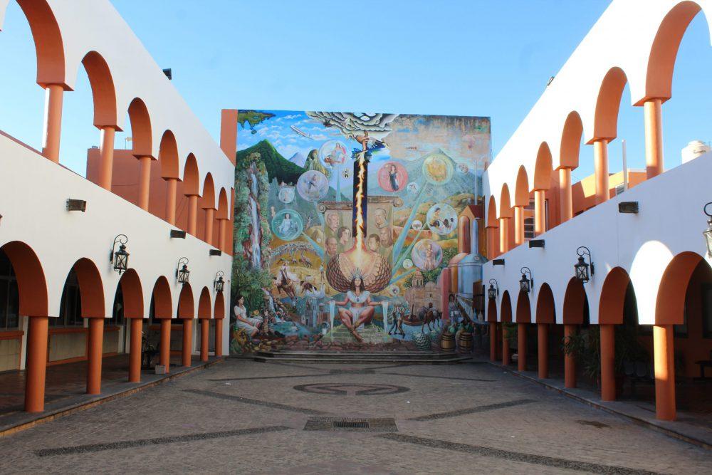Mural de Mayahuel, en Presidencia de Tequila