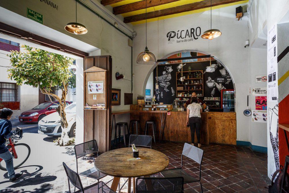 Café al interior del Foro Periplo