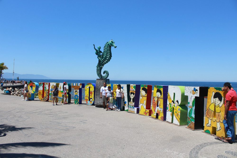 Turismo en Puerto Vallarta. Fotografía: Iván Serrano Jauregui