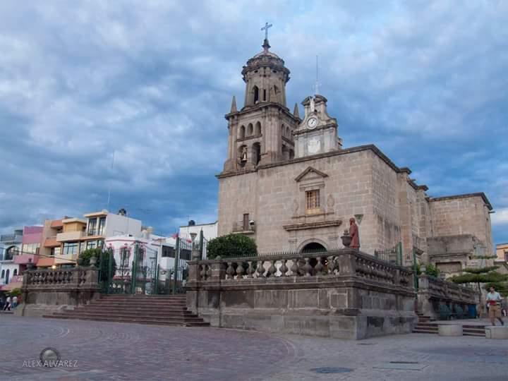 Iglesia de Nuestra Señora del Rosario de Zapotlanejo. Fotografía: Alex Álvarez