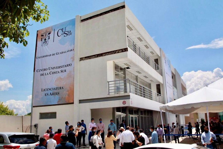 edificio del Centro Cultural Regional Contralmirante Estanislao García Espinoza, sede de la licenciatura en Artes del CUCSur