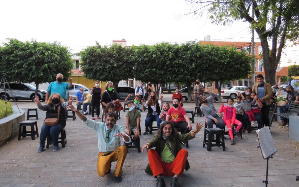 """Boba Comedia presenta clowning en barrios con """"La Carcajada"""""""