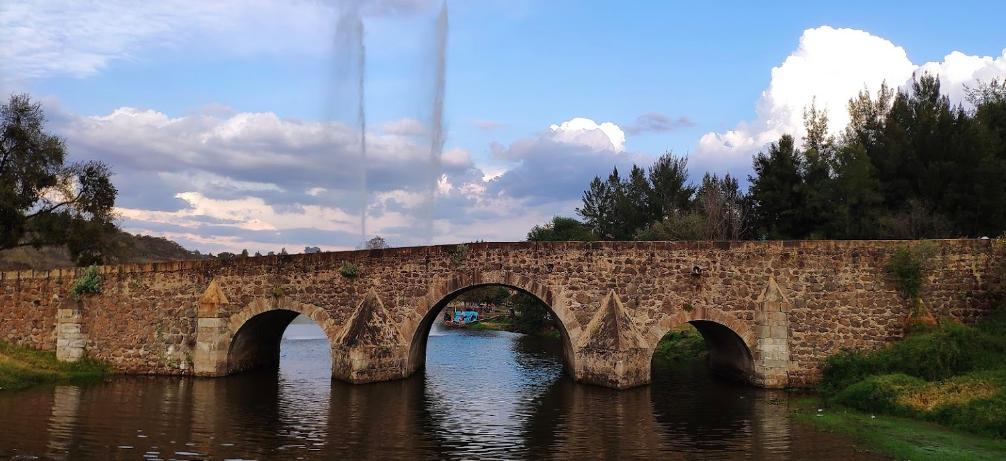 Puente de Calderón. Fotografía: Mario Estrada Gutiérrez