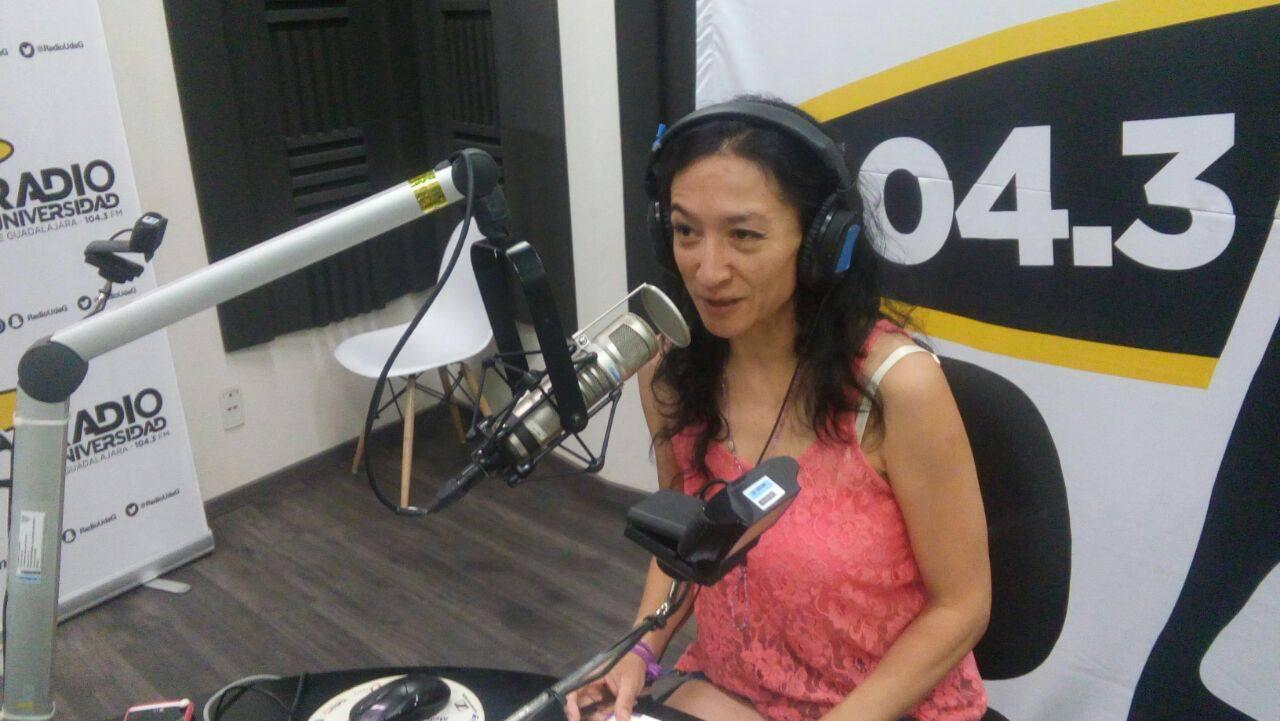 """Apasionada del teatro. Circee Rangel, conductora de """"Puro drama"""", por Radio UdeG Guadalajara. Fotografía: Cortesía"""