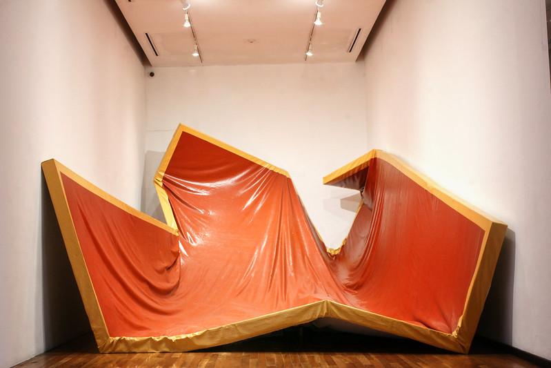 """""""Larger than life"""", de Ángela de la Cruz en el Museo Cabañas"""
