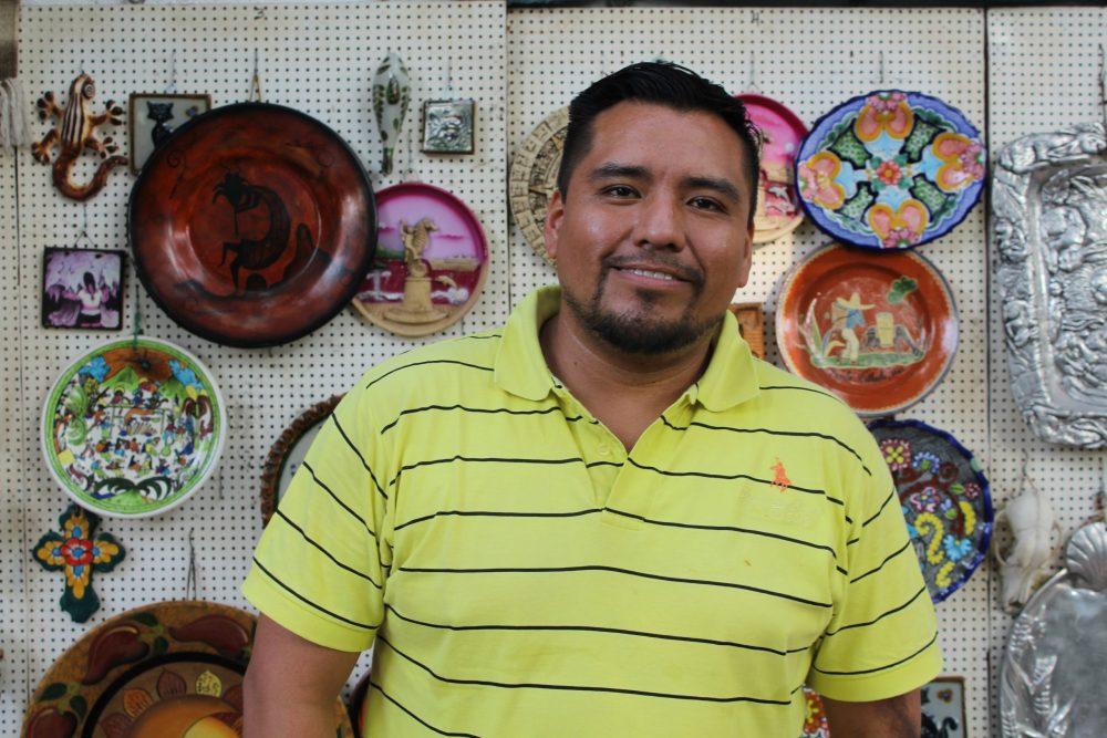 Marco Tulio Becerra, comerciante de la Isla del Río Cuale. Fotografía: Iván Serrano Jauregui